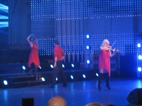 Vi uppträder på scenen